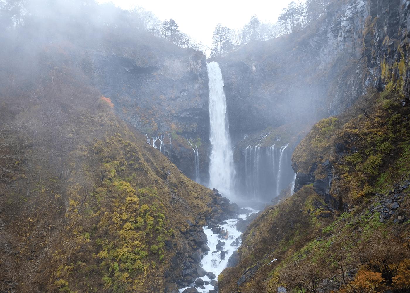 華厳の滝(Kegon falls)