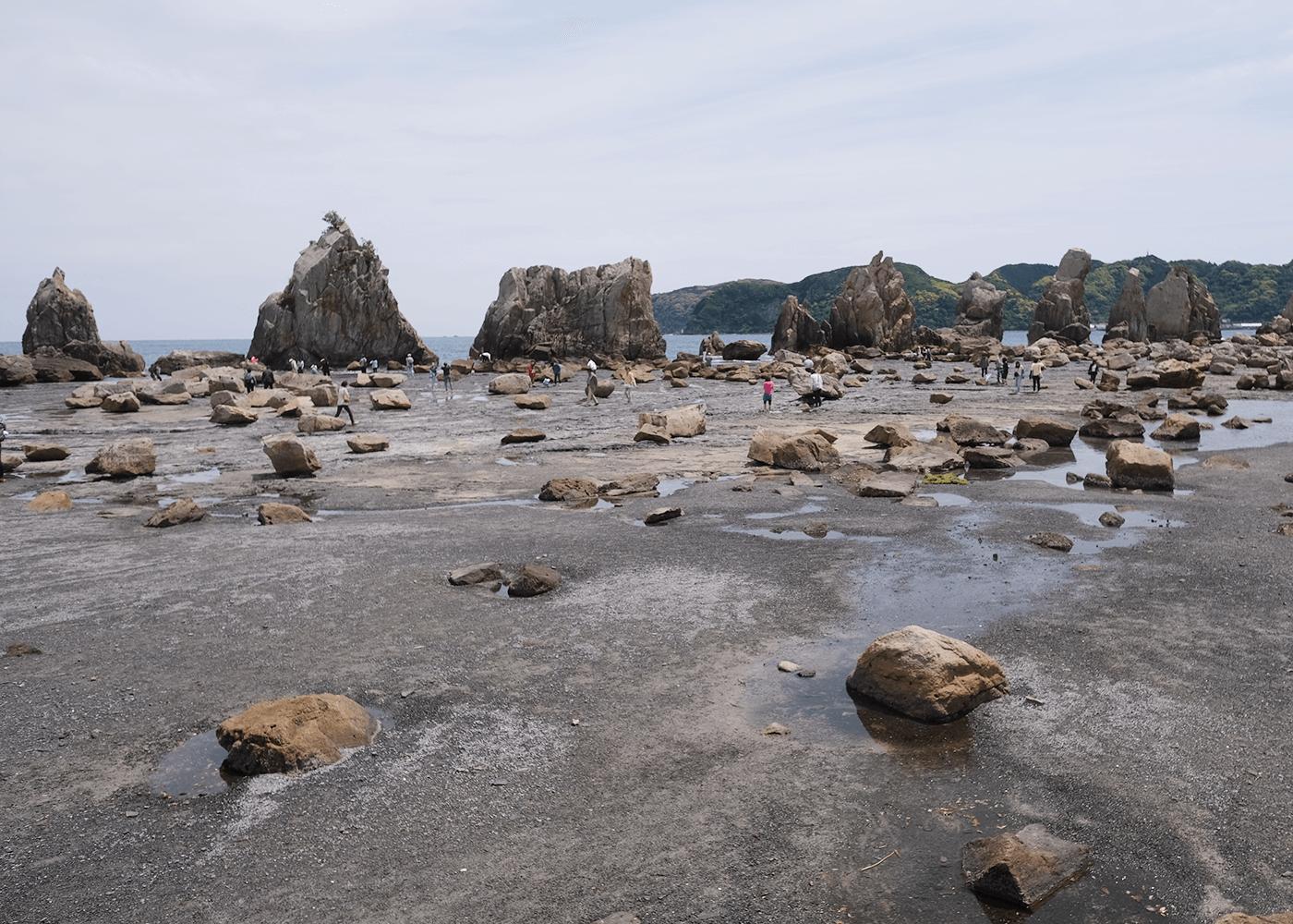 南紀白浜 橋杭岩(はしくいいわ)