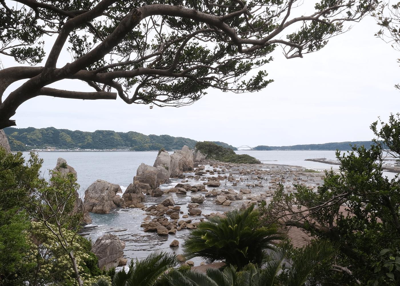 橋杭岩(はしくいいわ)
